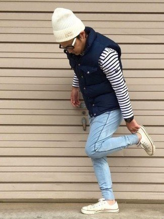 куртка-без-рукавов-свитер-с-круглым-вырезом-джинсы-large-28737.jpg