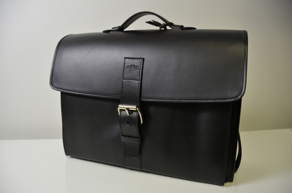 Black Leather Tramontano Napoli Bag with Fron Metal Buckle and Shoulder Strap