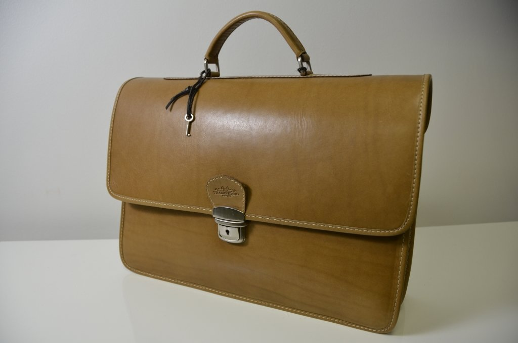 Cartelletta Tramontano Napoli 100% Made in Italy in Beige Color all Genuine Calf Leather
